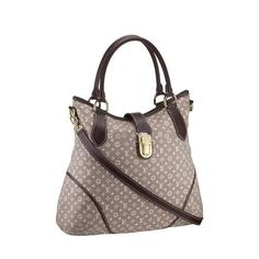 e23a33ee0963 As a chic everyday tote or a perfect complement for travel