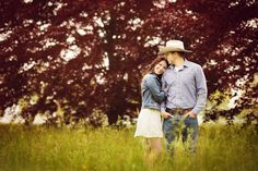 couples engagement photography fog country rustic  Photos by CMC PHOTOGRAPHY