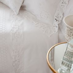 CUT-OUT EMBROIDERED PERCALE FLAT SHEET