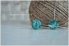 i love buttons   #stekiapntou #stekia #pantou #earrings #handmade #green #string #greece #greek #buttons #photoshooting #ioannaypo   Ioanna S. YPO photography