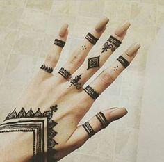 Trending Mehndi Latest Henna Tattoo Ideas for 2019 – Tattoo Pattern Henna Tattoo Hand, Henna Tattoo Designs, Cute Henna Tattoos, Finger Henna Designs, Simple Henna Tattoo, Mehndi Designs For Fingers, Henna Designs Easy, Beautiful Henna Designs, Henna Art