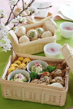 お花見弁当 This is a Japanese boxed lunch that is especially made for Cherry Blossom viewing picnics (Hanami) when the Cherry Blossoms are in full bloom in Japan.