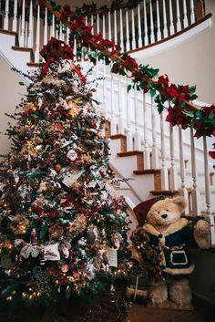 Festive Foyer<br>Christmas Tour of Homes