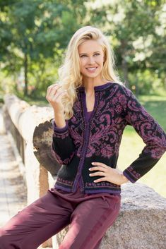 Knitting Machine Patterns, Knitting Charts, Knitting Designs, Knitting Projects, Knit Cardigan Pattern, Fair Isle Pattern, Fair Isle Knitting, Knit Crochet, Sweaters