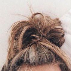 http://www.youtube.com/channel/UCqEqHuax3qm6eGA6K06_MmQ?sub_confirmation=1 I wish my messy buns looked nice . . . . #tumblr #eyes #brows #browsonfleek #makeup #artsy #girl #hair #goals #eyemakeup #kyliejenner #kylielipkit #kendalljenner #hot #likeforlike #l4l #followforspam #followme #followforlikes #onfleek #game #justdoit #gigi #gigihadid #victoriassecret #model #tropical #love by tum.__.blah