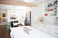 Cass Miller's kitchen reveal featuring Formica® 180fx® Calacatta Marble