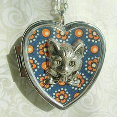 Sweet Molly Miniature Music Box Heart Locket