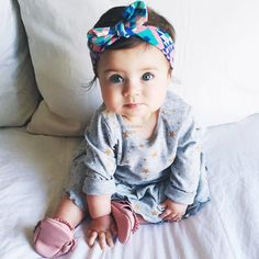 aww! I want to have a baby like her^^