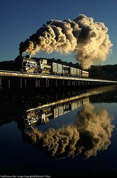By Train, Train Tracks, Train Rides, U Bahn Station, Train Station, South African Railways, Train Miniature, Old Steam Train, Old Trains