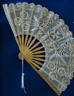 A fan in Maltese lace (Photo - Fiona Vella). Bobbin Lace Patterns, I Cool, Maltese, Vintage Lace, Hand Fan, Christening, Special Day, Tatting, Needlework