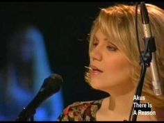 Alison Krauss - Alan Jackson The Angels cried Country Music Videos, Country Singers, Music Mix, My Music, Allison Krauss, Beulah Land, Silly Songs, Mountain Music, Spiritual Songs