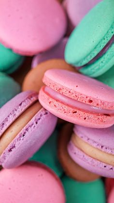 Fondo de Pantalla Whatsapp - Wallpaper macaroon - - Wallpaper World Wallpaper World, Food Wallpaper, Tumblr Wallpaper, Colorful Wallpaper, Flower Wallpaper, Screen Wallpaper, Mobile Wallpaper, Iphone Wallpaper, Wallpaper Wallpapers