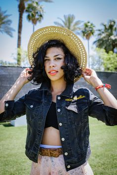 Monica Martin of Phox's accessory game was on point. #Coachella