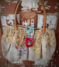 Vintage Lace Bark Cloth Tote | shabbyfrenchome.com