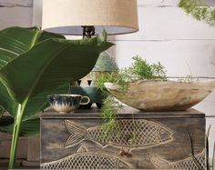 Your living room feng shui decorating is not complete until you have these 8 feng shui must haves. Curious what they are? Let's start with mirrors.: Plants