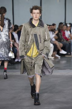 WGSN: Must Have Apparel Items Items that will be very desirable in the menswear market include aspirational outerwear, loose tops, and tailoring. For outerwear a main focus on the parachute parka, detailed utility jackets, lightweight statement topcoats, slouchy suits, quirky striped pullovers, drop-shoulder sweatshirts. For tops abstract-print shirts and zip tops. Lastly for pants side-stripe pants, balloon pants and boxy shorts. (Jessica C) 9/17/2017
