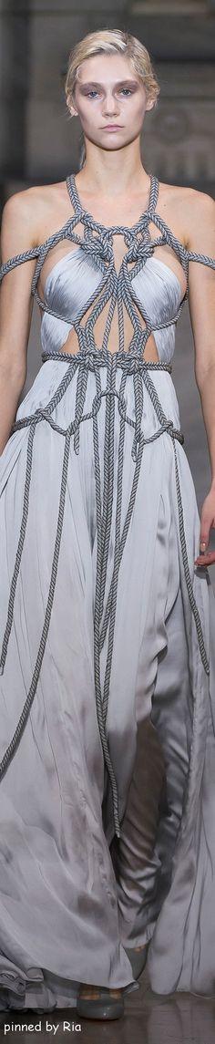 Yiging Yin Spring 2016 Couture l Ria