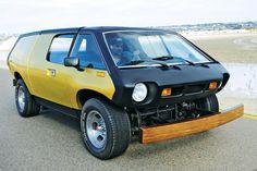 Een Volkswagen Kever is een dankbaar object om gebruikt te worden voor de nodige kit car bouwpakketten. De reden hiervoor is dat je de body van een Kever gewoon van z'n chassis kunt tillen, om er vervolgens helemaal op los te gaan. Dat gebeurt dan ook zeer regelmatig. Zo staat bijvoorbeeld vrijwel elke buggy op …
