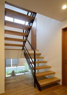 和みの家 | 注文住宅なら建築設計事務所 フリーダムアーキテクツデザイン Open Concept, Interior Architecture, Building A House, Entryway, Villa, Stairs, House Design, Flooring, Home Decor