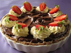 Chocolate Mousse Pie http://lovelychocolatemoments.blogspot.com/