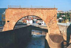 Ponte Torta  - Jundiaí SP       restaurada depois de sua  inutilização para transportes (2o. momento? )