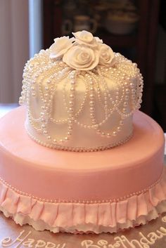 beautiful cake on sweetlyyours.blogspot.com
