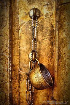 كم أحن لأرتشف من مائك يا وطني ♥♥  اللهـم عجـل بالفرج اللهم عجل بالفـرج  ..........................................  الصورة من الجامـع الأموي الكبير بحلب