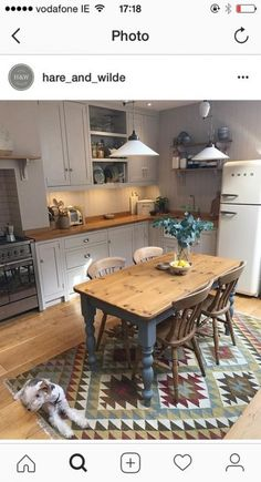 New kitchen table country dining rooms ideas Cottage Kitchens, Grey Kitchens, Cool Kitchens, Remodeled Kitchens, Farmhouse Kitchens, New Kitchen, Kitchen Decor, Kitchen Grey, Country Kitchen Diner
