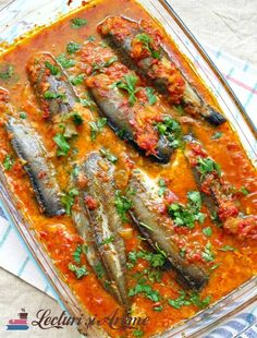 peste in sos de rosii Curry, Kerala, Coco, Vegetable Pizza, Seafood, Food And Drink, Fish, Vegetables, Recipes
