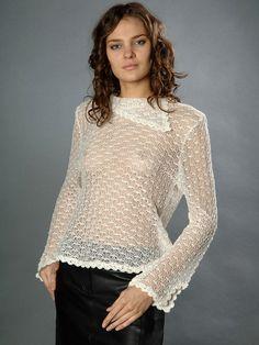 Льняная вязаная блузка с длинным рукавом - студийная модельная каталожная фотосъемка для интернет-магазина - Folov.in