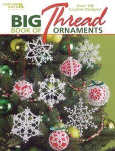 Christmas tree ornaments in crochet thread
