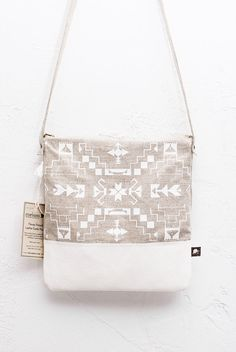 Items similar to Navajo Pattern Printed Messenger Bag Leather white on Etsy Navajo Pattern, Navajo Print, Leather Bag Pattern, Creation Couture, Printed Tote Bags, Handmade Bags, Leather Purses, Leather Bags, Fashion Bags
