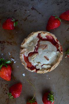 Vegan Strawberry Rhubarb Mini Pie