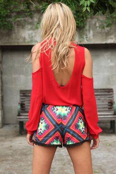 Open back + patterned shorts