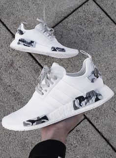 The Adidas NMD 'Snow Camo' is the perfect shoe for your streetwear outfit! Get your hand-painted NMD pair now! Cute Nike Shoes, Cute Nikes, Adidas Shoes Women, Nike Air Shoes, Sneakers Mode, Cute Sneakers, Sneakers Fashion, Shoes Sneakers, Adidas Fashion