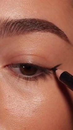Edgy Makeup, Eye Makeup Art, Natural Eye Makeup, Eyebrow Makeup, Skin Makeup, Natural Eyes, Makeup Eyebrows, Grunge Makeup, Beautiful Eye Makeup