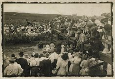 Religious rituals in America are not often public spectacles. A key exception was the tradition of river baptisms that flourished in the South and Midwest between 1880 and . Old Pictures, Old Photos, Vintage Photos, Vintage Prints, Believers Baptism, Vintage Baptism, Wade In The Water, Old Time Religion, Baptism Photos