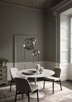 Our best dining room paint colors ideas and inspiration. Uncover inspiration and choose a color to enhance your room decor Decor, Dining Room Inspiration, Dining Room Paint Colors, Interior, Half Painted Walls, Dining Room Decor, Home Decor, House Interior, Modern Dining Room