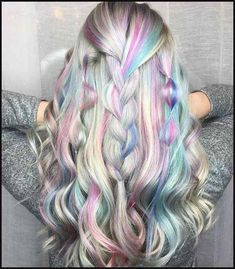 It's the era of limitless hair colors: From unicorn hair to rainbow hair comes another trend that you'd immediately want to check off your hair bucket lit – holographic hair. Holographic hair uses mul New Hair Color Trends, New Hair Colors, Opal Hair, Unicorn Hair, Hair Looks, Dyed Hair, Hair Inspiration, Hair Inspo, Hair Makeup