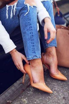 Fantastic jeans, beautiful high heels, nice photo