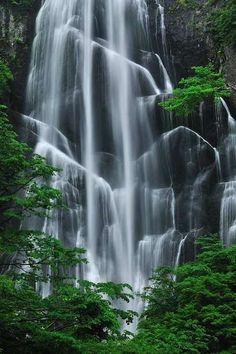 Yasuno-taki Falls, Akita, Japan