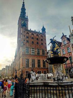 Gdańsk - Experience Europe Barcelona Cathedral, Big Ben, Seaside, Europe, Building, Travel, Viajes, Beach, Buildings