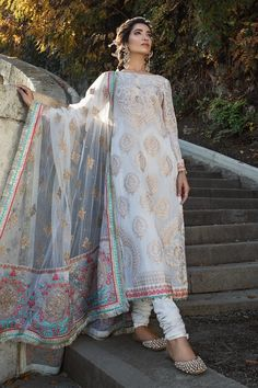 Salwar Kameez & salwar suit by Pakistani designers. Stitched original designer dresses from Pakistan. Latest Pakistani Fashion, Pakistani Couture, Pakistani Bridal Dresses, Pakistani Dress Design, Pakistani Outfits, Indian Fashion, Women's Fashion, Pakistani Designers, Latest Fashion