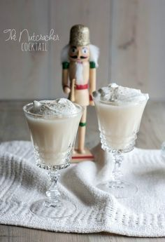 The Nutcracker Cocktail, Christmas cocktail, Christmas cocktail idea, cocktail recipe http://www.sweetphi.com/nutcracker-cocktail/