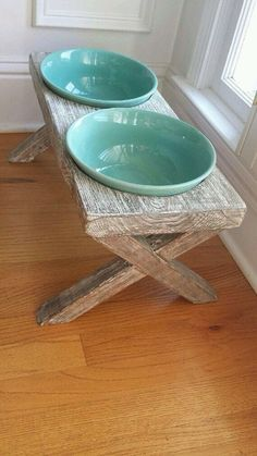 This stylish feeding station would be an attractive addition to your kitchen. C… This stylish feeding station would be an attractive addition to your kitchen. Choose bowls that match your decor. Canis, Dog Feeding Station, Pet Station, Diy Dog Collar, Dog Collars, Dog Rooms, Dog Houses, House Dog, Dog Treats