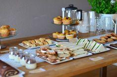 It's a high tea party Tapas, Bruchetta Recipe, High Tea Food, Tea Snacks, Brunch, Orange Recipes, Dinner Is Served, Afternoon Tea, Tea Party