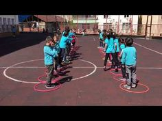 Game and Physical Activities Lesson (Garden Games) - Kinderspiele Activity Games For Kids, Pe Games, Indoor Activities For Kids, Physical Education, Physical Activities, Crossfit Kids, Outside Games, Summer Fun For Kids, Garden Games