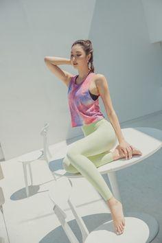 Korean Model 314 #koreanmodel #koreanbeauty #koreanfashion #model #beauty #fashion Jung Yoon, Burn Calories, Calories Burned, Korean Model, Model Pictures, Asian Woman, Fitness Fashion, Burns, Sporty