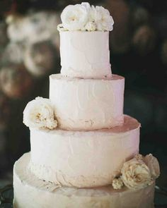 Organic Textured Buttercream Wedding Cake with Garden Roses | Taylor Lord Photography | http://heyweddinglady.com/ethereal-glam-wedding-blush-black/