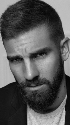 Popular Mens Hairstyles, Male Hairstyles, Black And White Face, Beautiful Men Faces, Male Face, Bearded Men, Hair Styles, Daddy, Photography